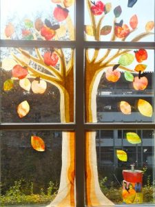 Apfelbaumfenster in Kl.3/4