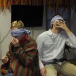 Frau Lohr und Herr Rieck mussten sich blind mit Schokoküssen füttern !