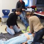 Herzdruckmassage beim Erwachsenen mit Defibrillator