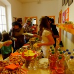 Süßes und Salziges, zubereitet von Eltern und Schülern